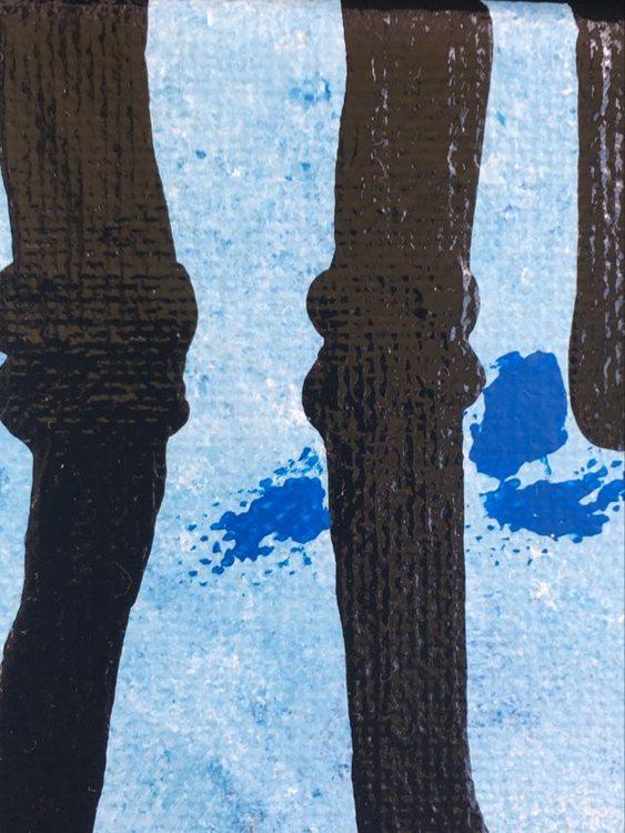 Gotlandsfår ligger som inspiration för konstnären som huserat på Gotland. Fåren målas på hennes eget sätt.