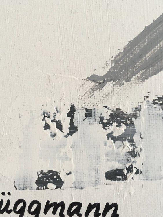 Stilren svart-vit-grå-tavla av svenska nutidskonstnärinnan från Helsingborg som också bott i Visby, Las Vegas och Stockholm.