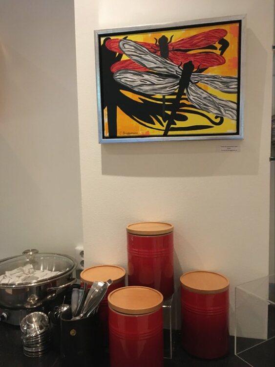 Inredningstips med tavlor. Tavlor till alla rum i ditt hem finner du på cbruggmann.se. Matcha dina tavlor.