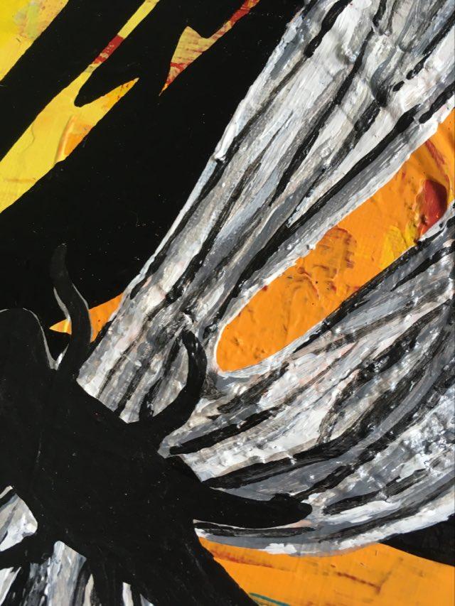 Närbild på trollsländetavla målad av svenska konstnärinnnan C.Brüggmann som även ställer ut under VSKG:s konstrunda varje påsk.