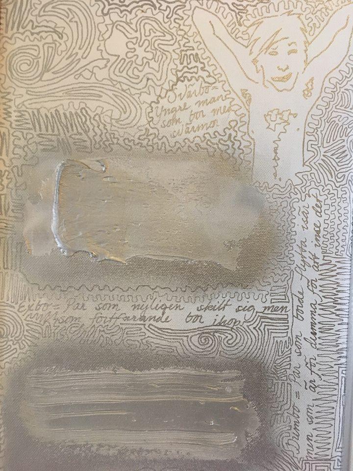 Silverfärg på denna höga tavla. Cool unik konst som kan köpas online på cbruggmann.se.
