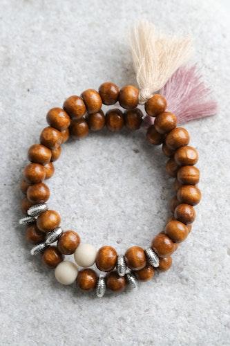 Armband, bruna träpärlor med river stone