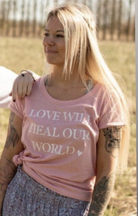 Love will heal t-shirt från Yogia