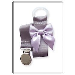 Grå napphållare med ljuslila rosett - silver