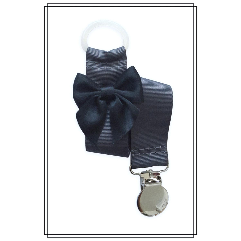 Mörkgrå napphållare med svart rosett - silver
