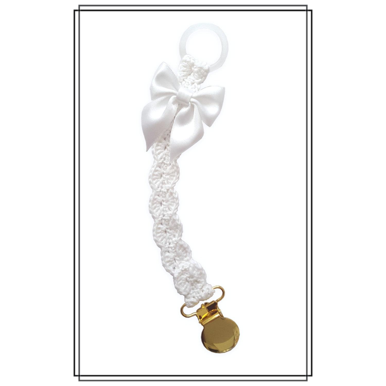 Napphållare virkad vit med vit rosett - guld