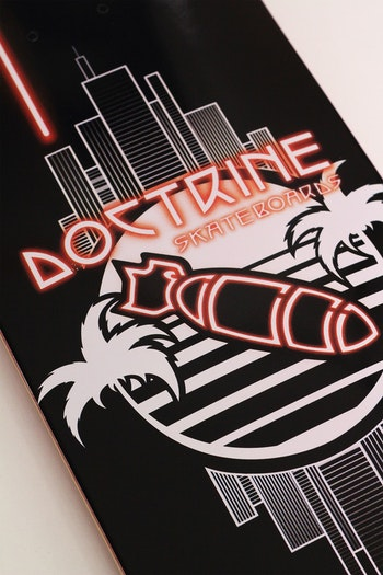 Skateboard Doctrine Neon
