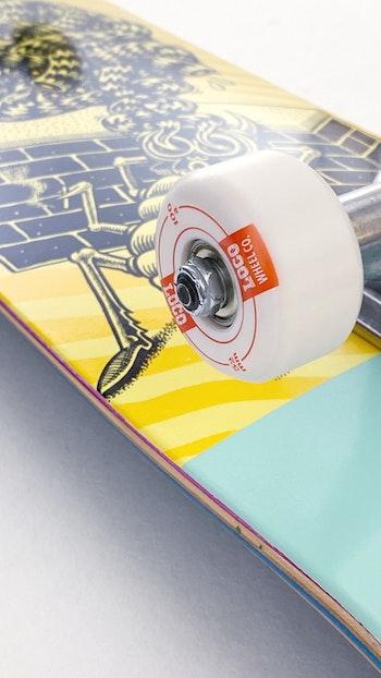 Skateboard Loco Complete * Chrononaut ''Relax''