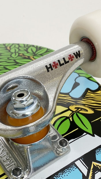 Super Pro Complete Chrononaut ''The Fly'' * Independent Forged Hollow trucks