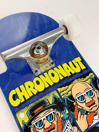 Pro Complete Chrononaut ''Fiction'' * Independent trucks