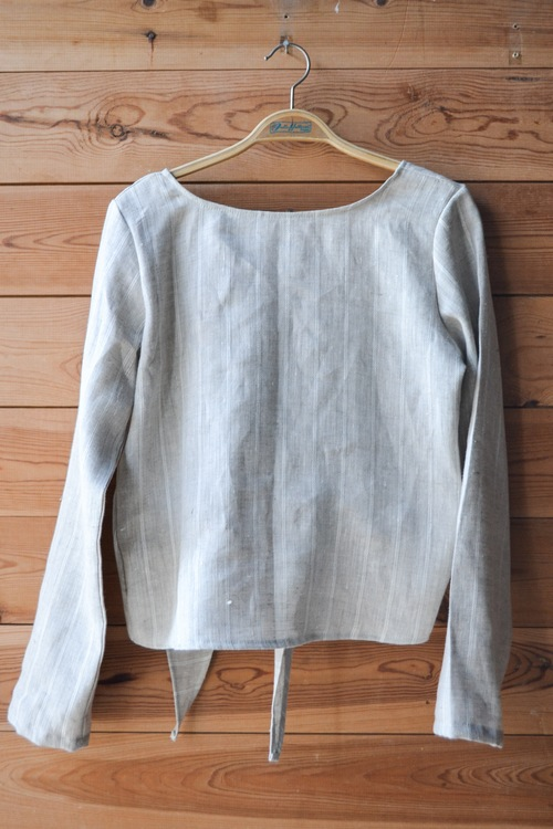 ULTIMATE BACKWARD TOP - LINEN