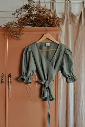 PUFFY TOP - DUSTY GREEN