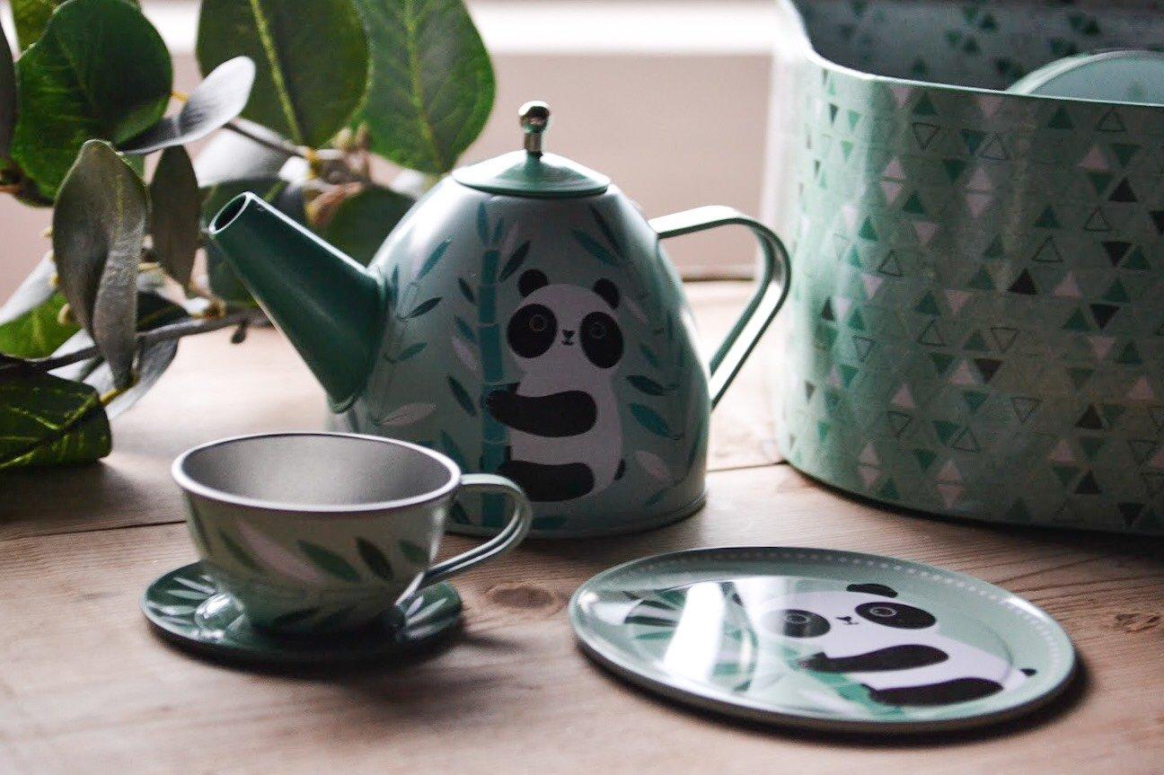 Väska med te-set i plåt PANDA