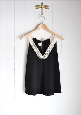ALWAYS SUMMER TOP BLACK
