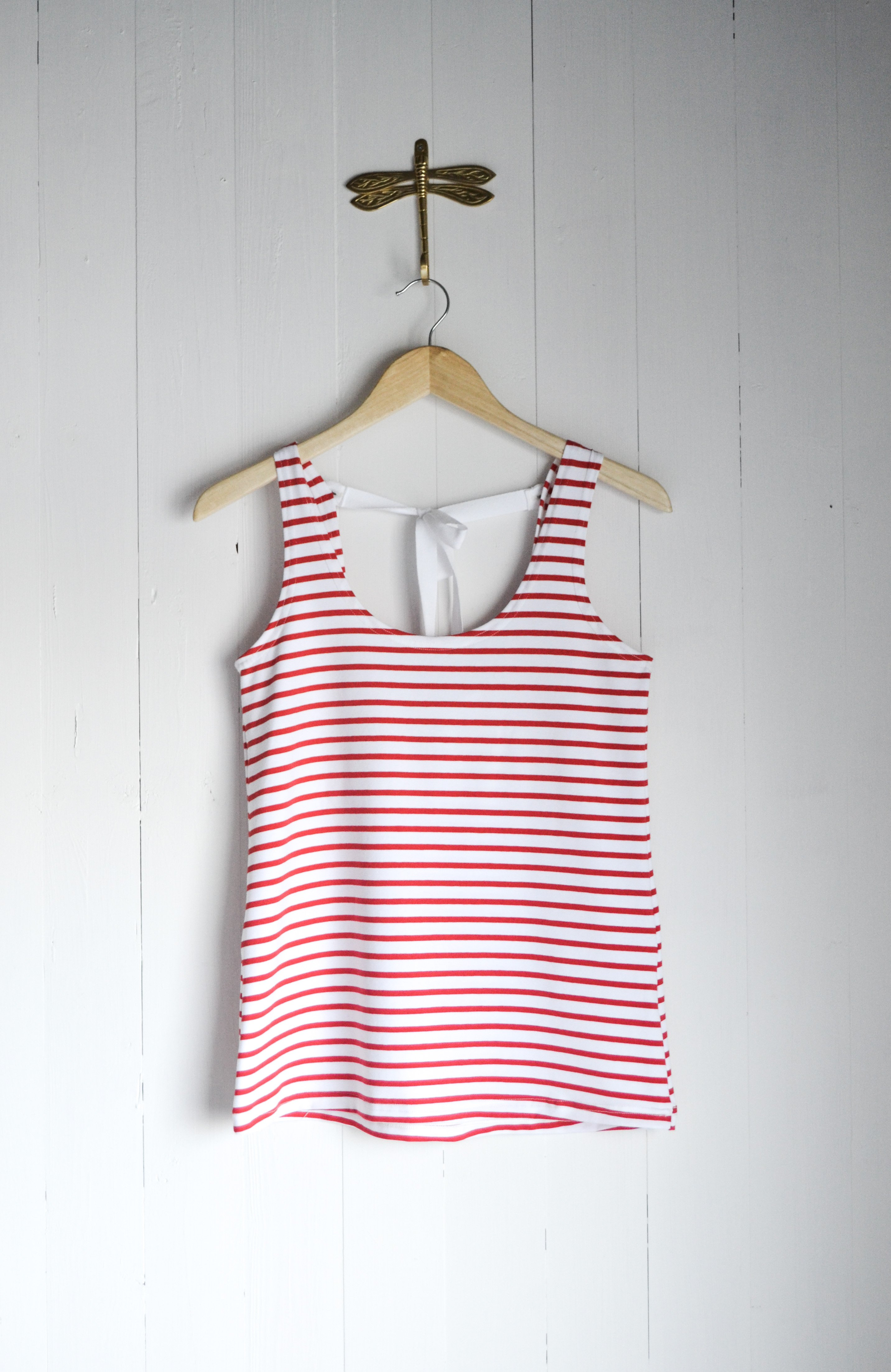 SHIFTING TANK TOP - RED AND WHITE STIRPES