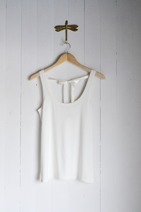 SHIFTING TANK TOP - OFF WHITE
