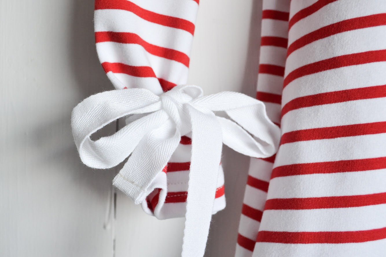 REMOVIBLE LONG SLEEVE TOP - RED AND WHITE STRIPES