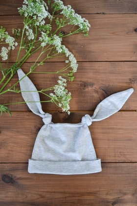 LONG EAR BABYHAT LIGHT GREY
