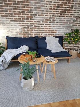 Soffa i naturmaterial