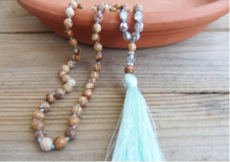Långt Jaspis halsband med pärlor