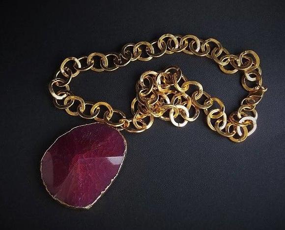 Stort guldpläterat halsband