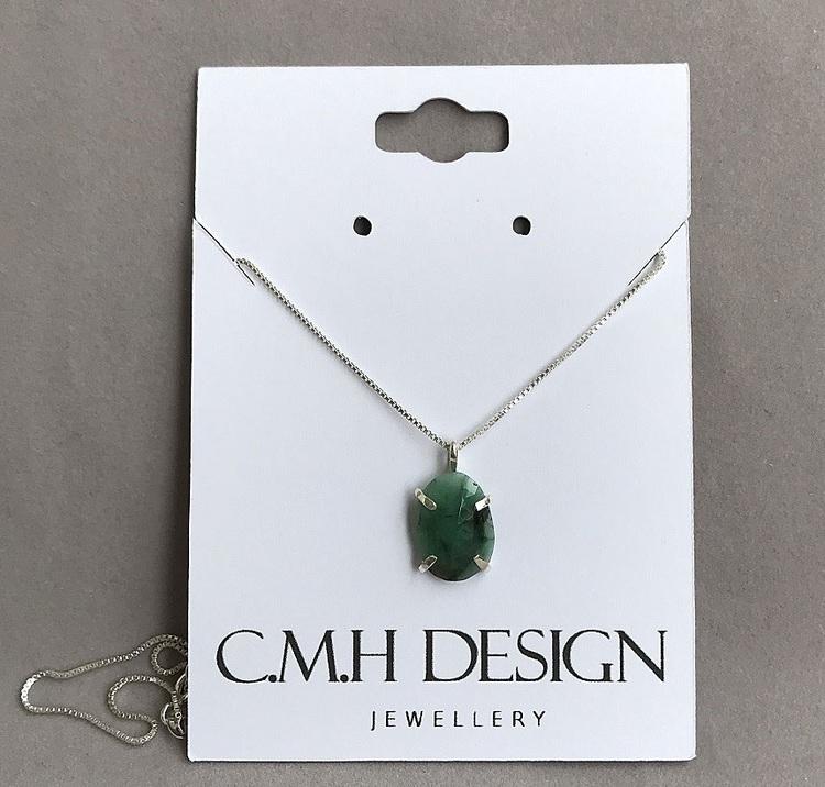 Äkta silverhalsband med grön sten, liten oval Emerald sten.