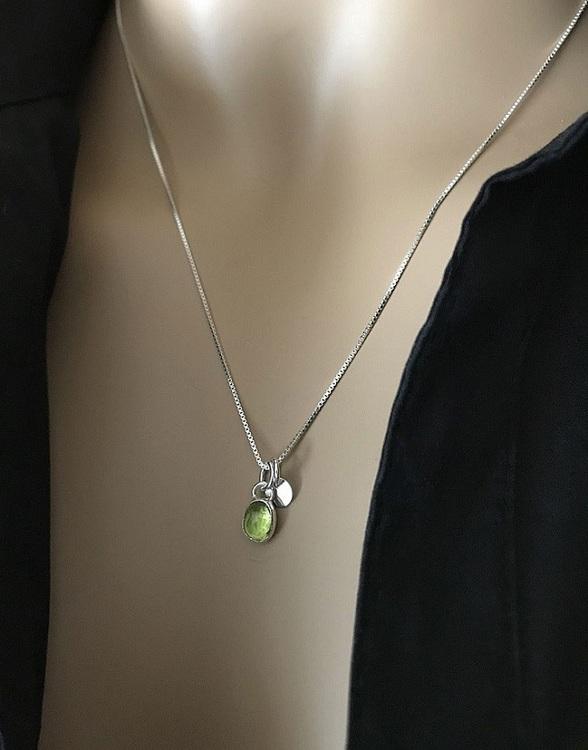 Peridot halsband silver