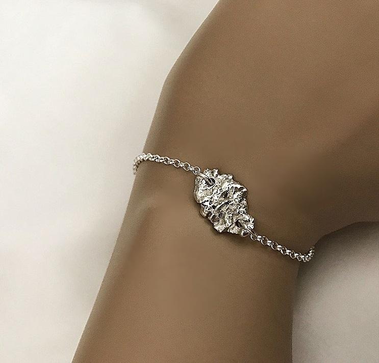 Armband kedja och rustik nugget, äkta silverarmband.