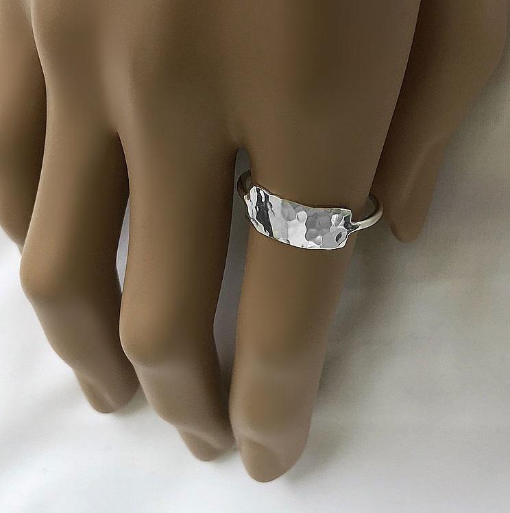 Ring med avlång bricka silver