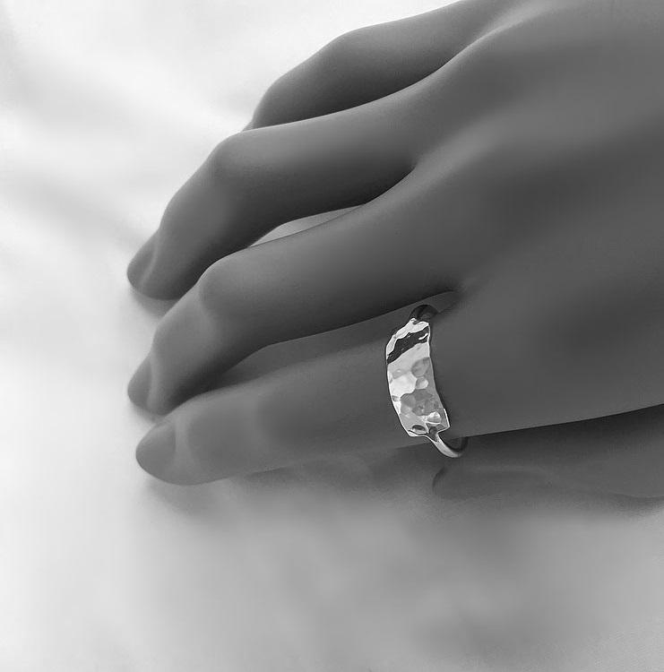 Ring med bricka äkta silver