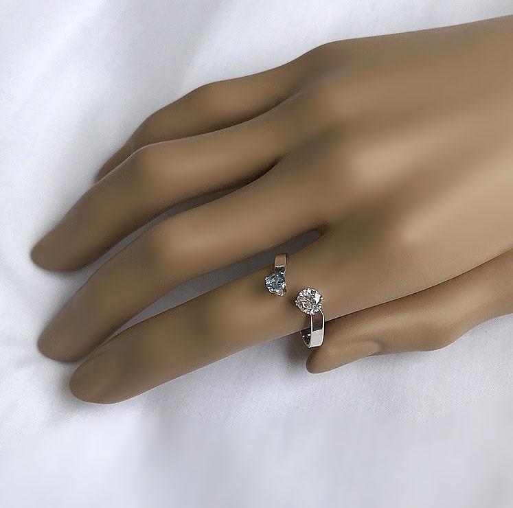 Öppen ring med två stenar, blå och vit CZ stenar äkta silver.