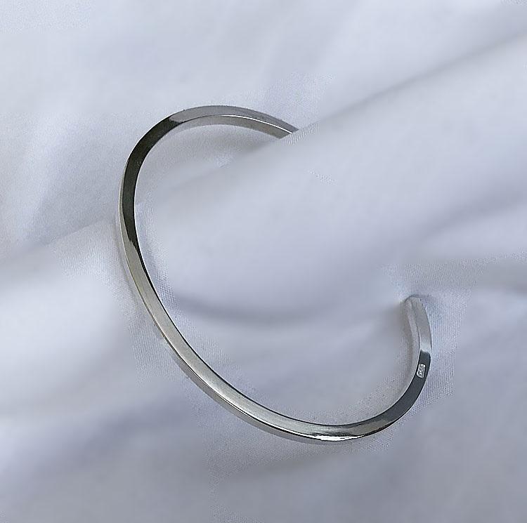 Stelt silverarmband herr 3mm tjockt av fyrkantig silvertråd