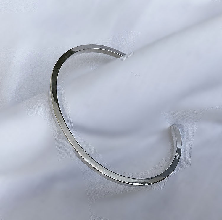 Cuff armband i 925 sterling silver. 3mm tjock.