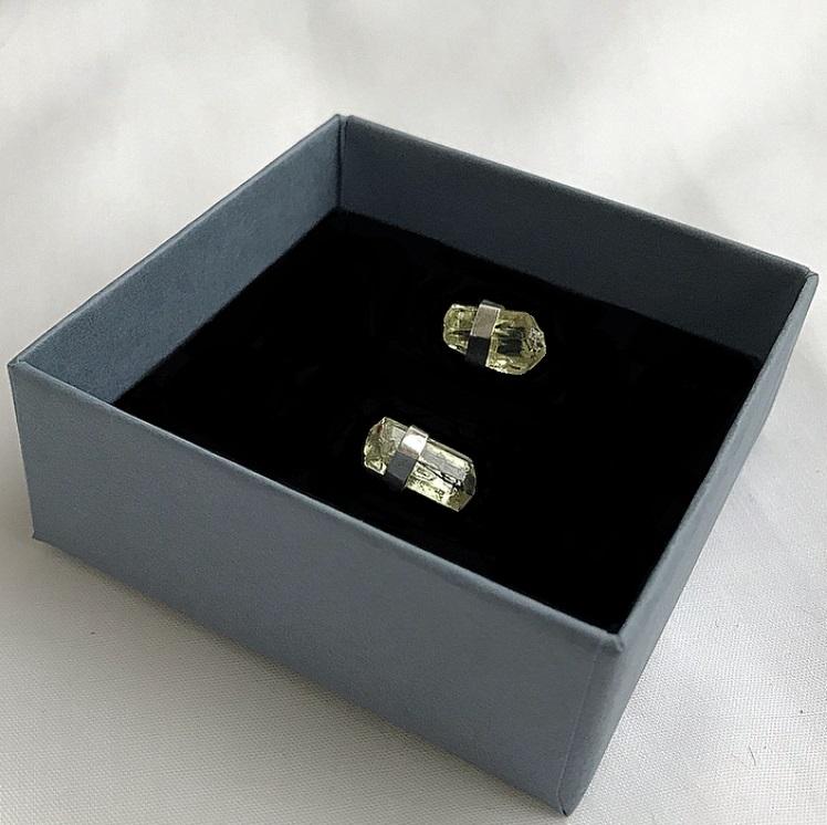 Silverörhängen gul rå apatit sten äkta silver