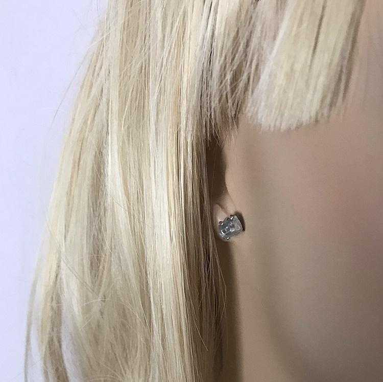 Grå små safir örhängen äkta silver