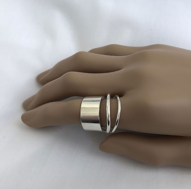 Bred silverring med 3 ringar i ett äkta silver