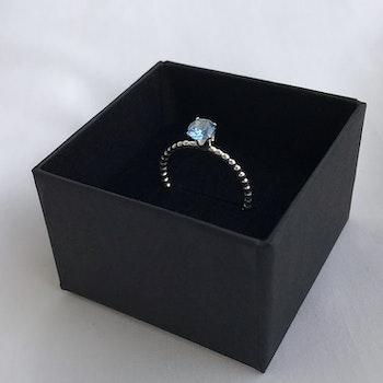 Kulring med blå sten silver