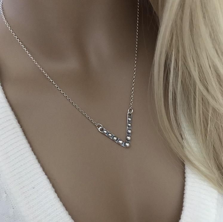 V format halsband i silver