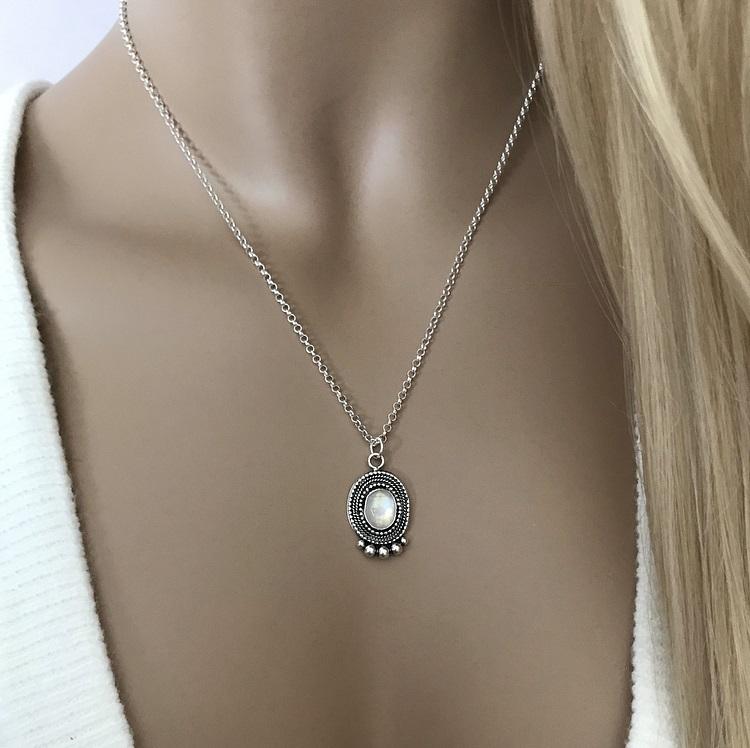 Regnbågsmånsten halsband äkta silver