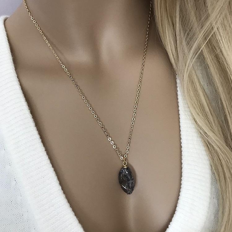 Svart bergskristall halsband