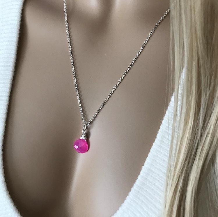 Rosa kalcedon halsband silverpläterat