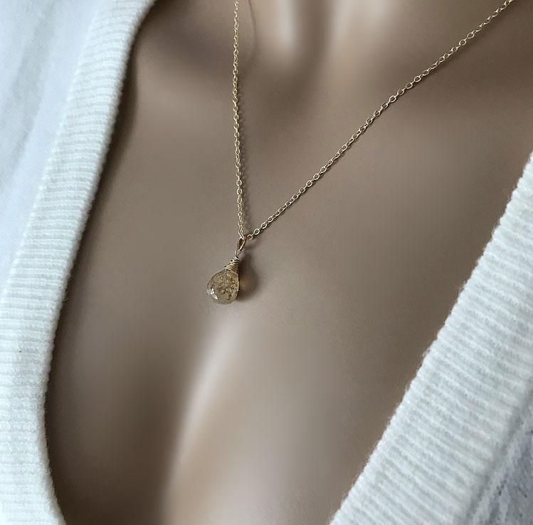 Guldpläterat halsband med gul rutilerad kvarts