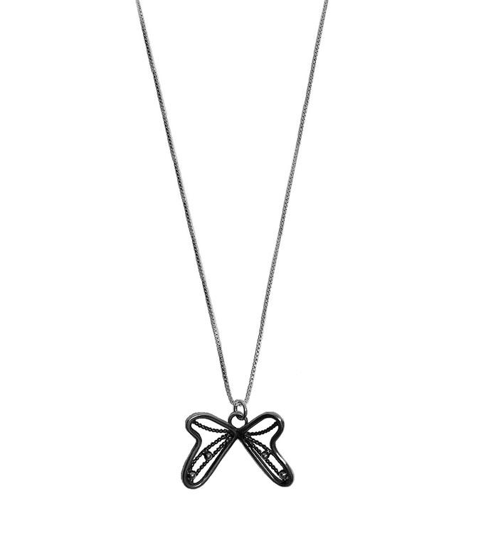 Halsband fjäril silver