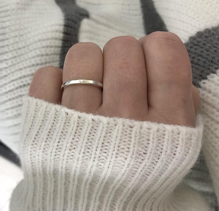 Ring i äkta silver med slät yta