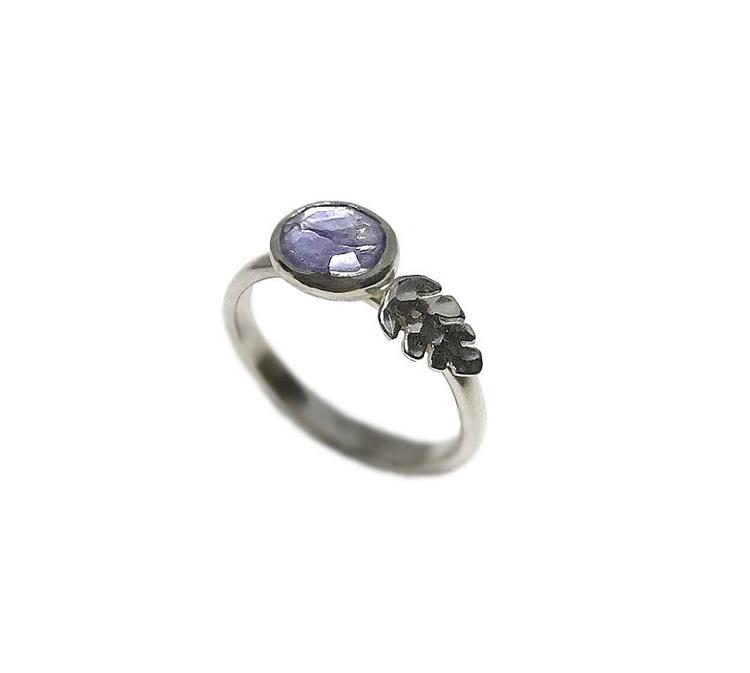 Silverring med lila sten Tanzanit