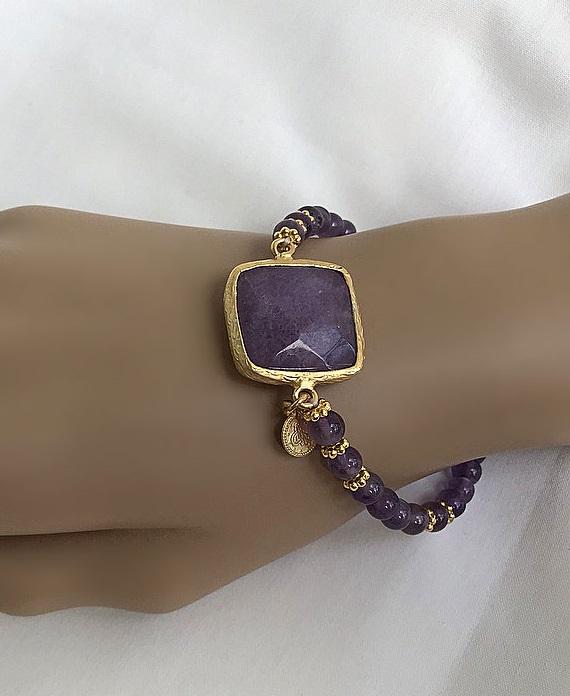 Lila elastiskt sten armband