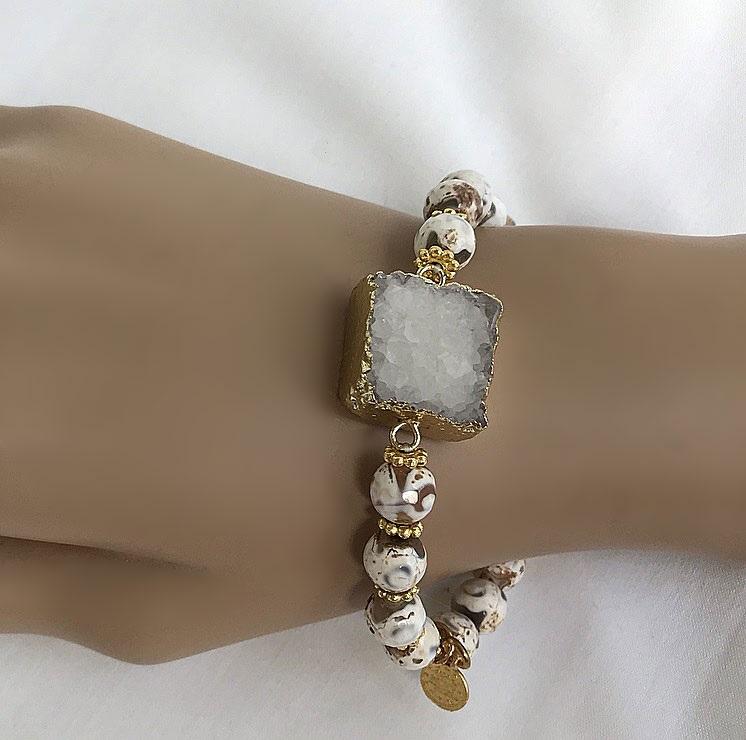Elastiskt vitt armband agat