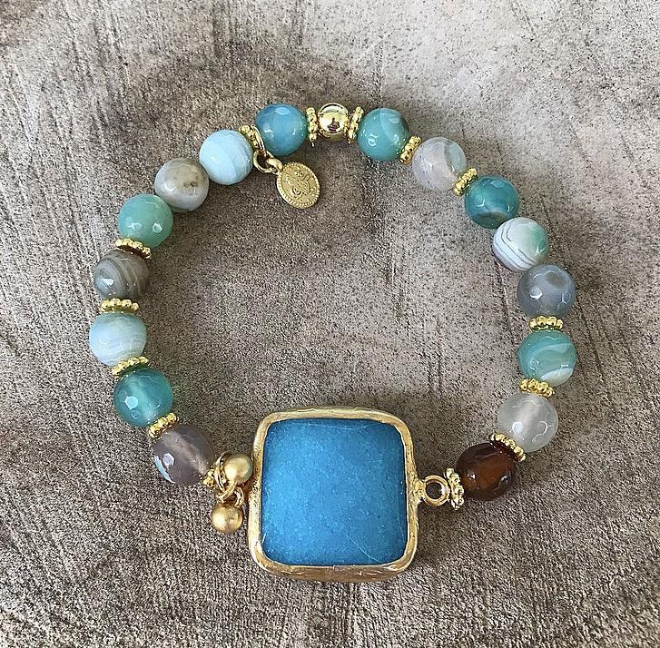 Blå jade och grönt agat armband
