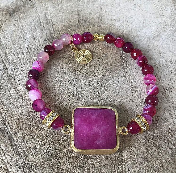 Elastiskt rosa sten armband