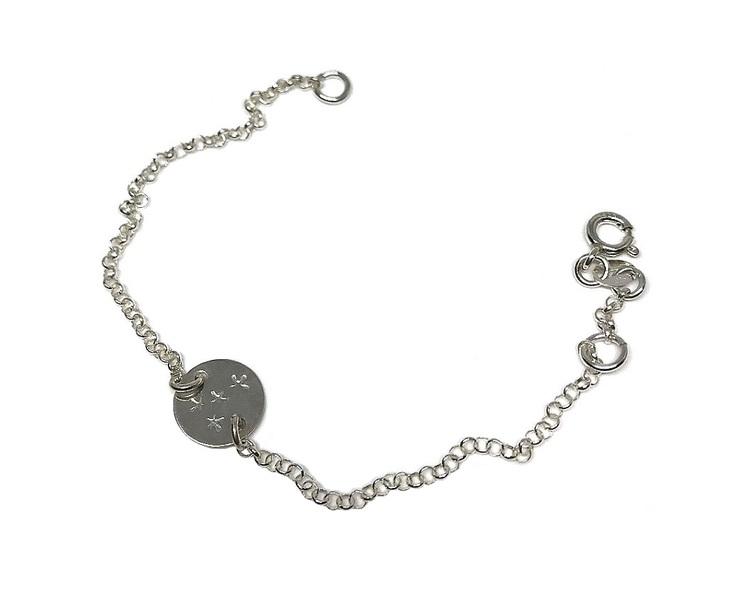 Kedjearmband i silver med rund bricka